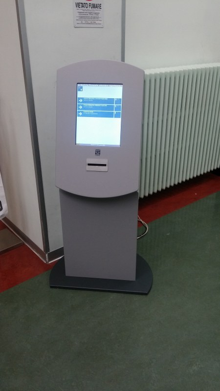 Sistema eliminacode ambulatorio Padova totem multimediale touchscreen scontrino